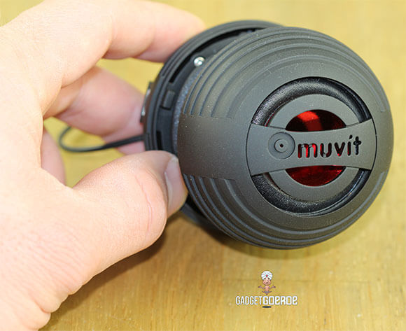 Muvit Mini Portable Speaker review hand